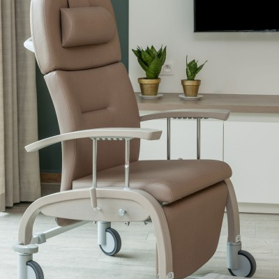 Fero Chair high back recliner Chair