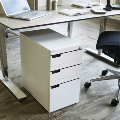 Doctors height adjustable Desk