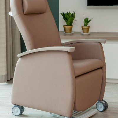 Domus Flex high back recliner Chair